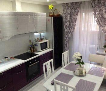 Шторы для кухни с балконной дверью: фото лучших идей по сочетанию штор в интерьере кухни